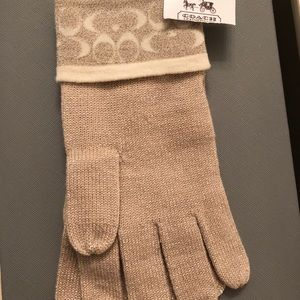 Coach knit gloves